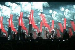 thewall_024